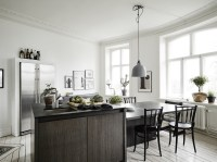 Small apartment with a big kitchen island - COCO LAPINE ...