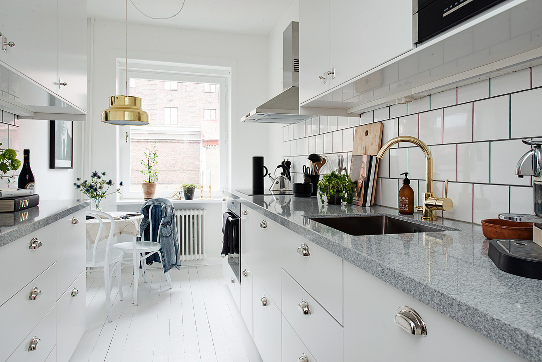 Kitchen with a golden touch  COCO LAPINE DESIGNCOCO
