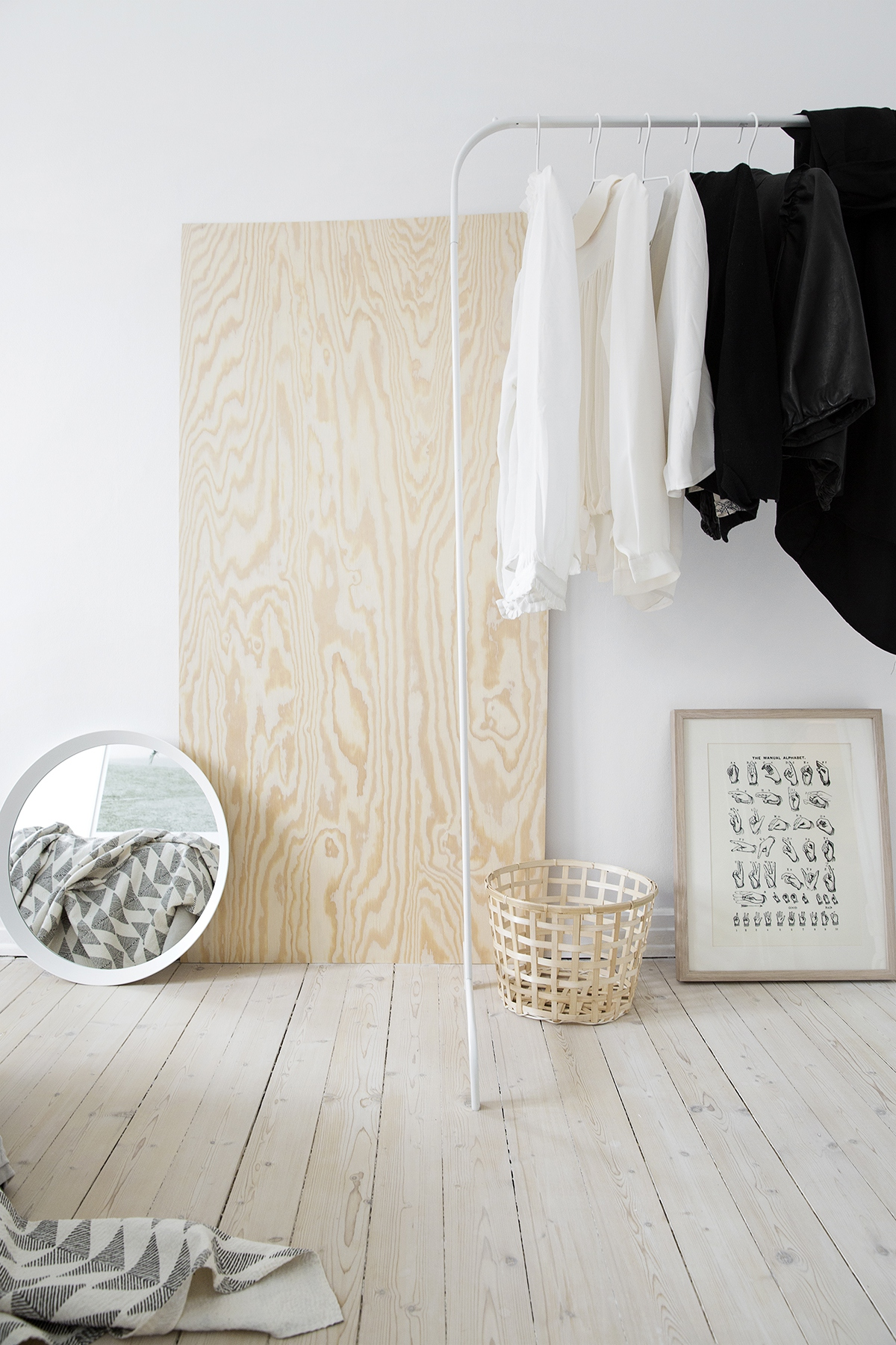 White and light wood - via cocolapinedesign.com