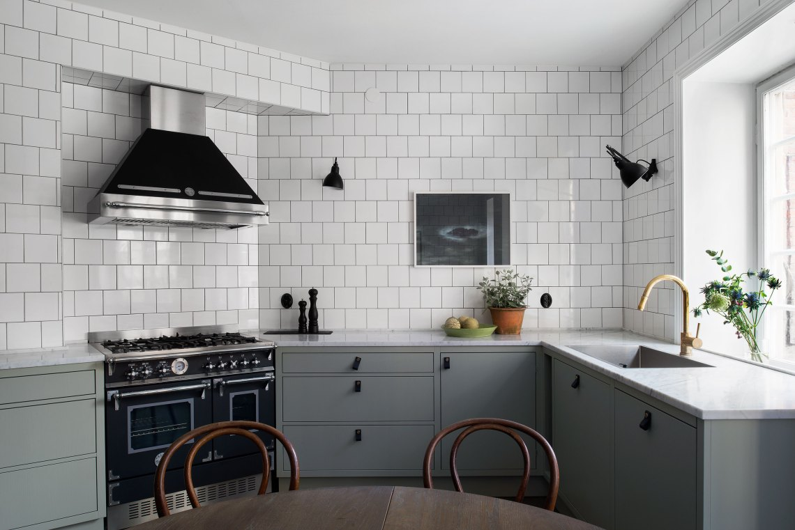 Green Kitchen With White Tiles Coco Lapine Designcoco