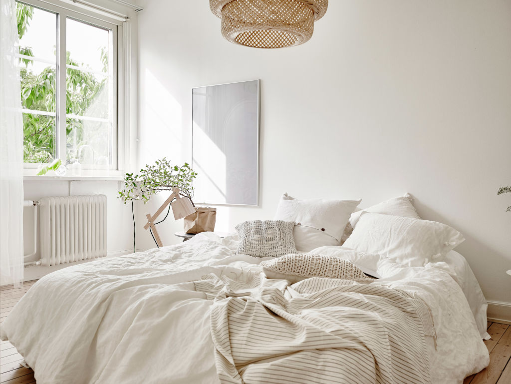 Beige and greens in the bedroom  COCO LAPINE DESIGNCOCO