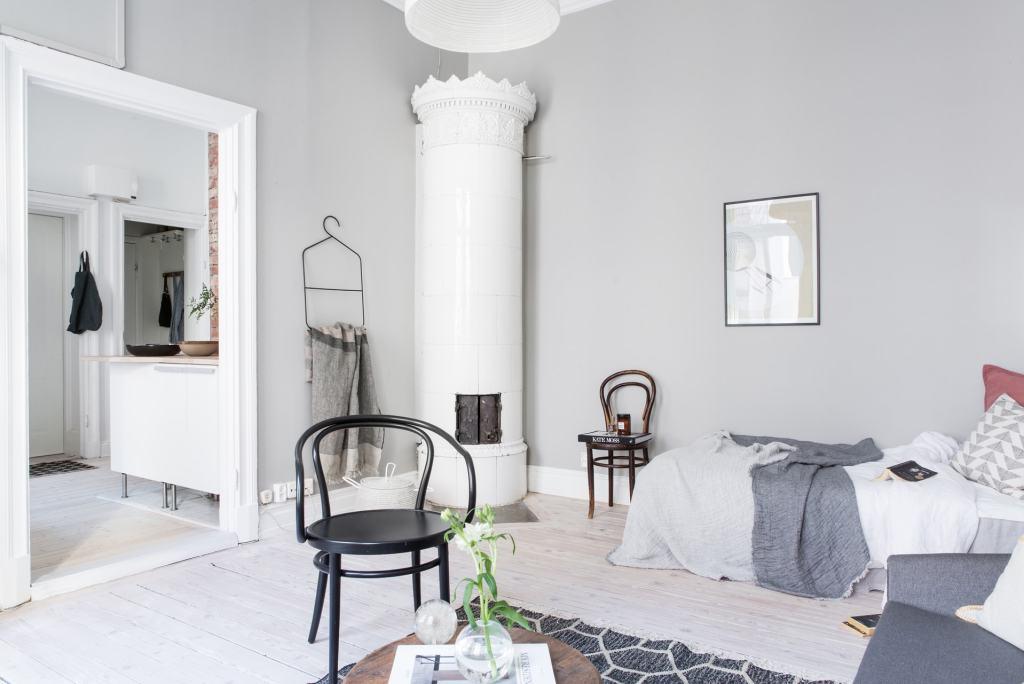 Cozy living space in grey - via Coco Lapine Design