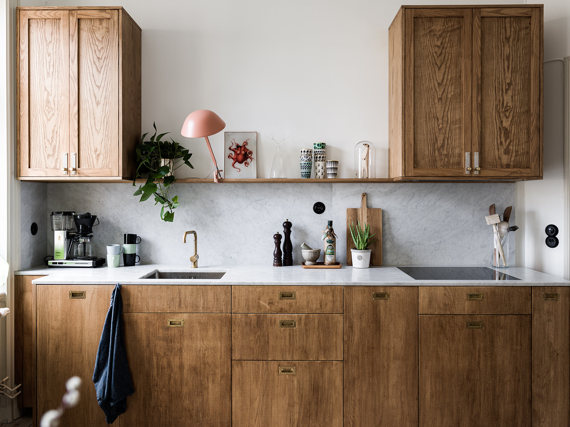 Kitchen in marble and wood   Coco Lapine Design