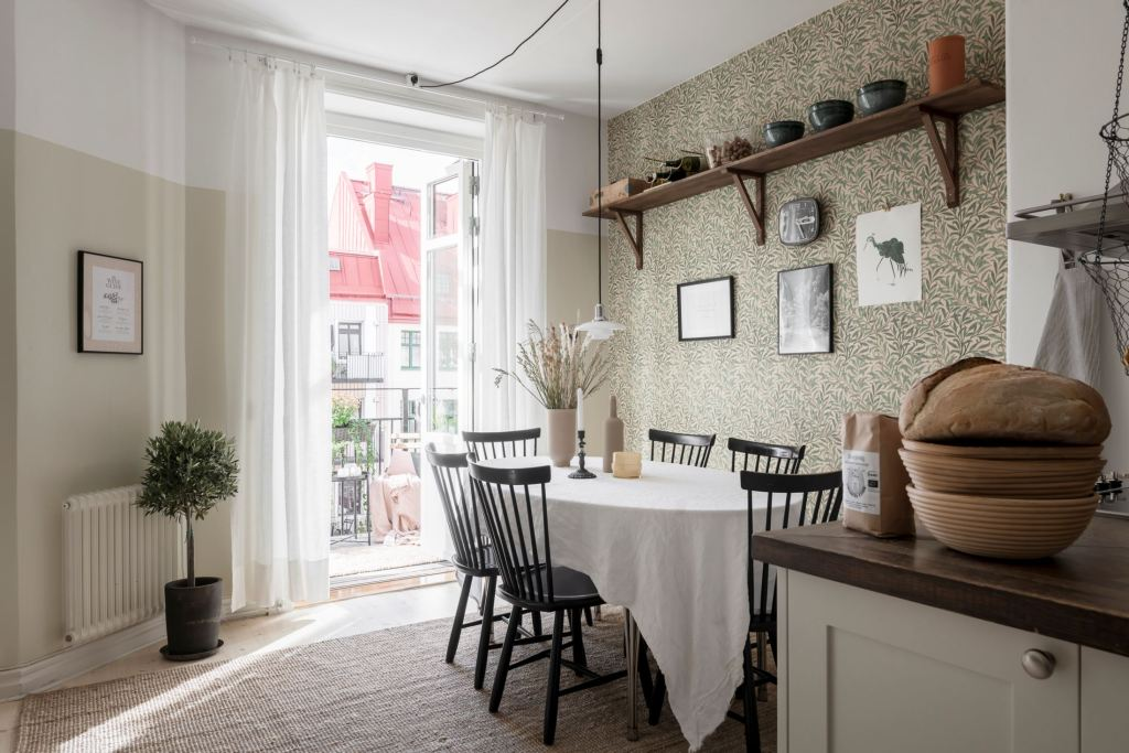 Cozy kitchen with a classic look