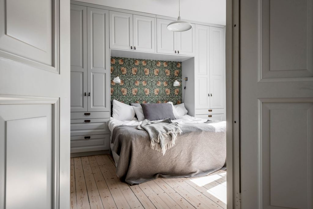Classy bedroom with smart storage space