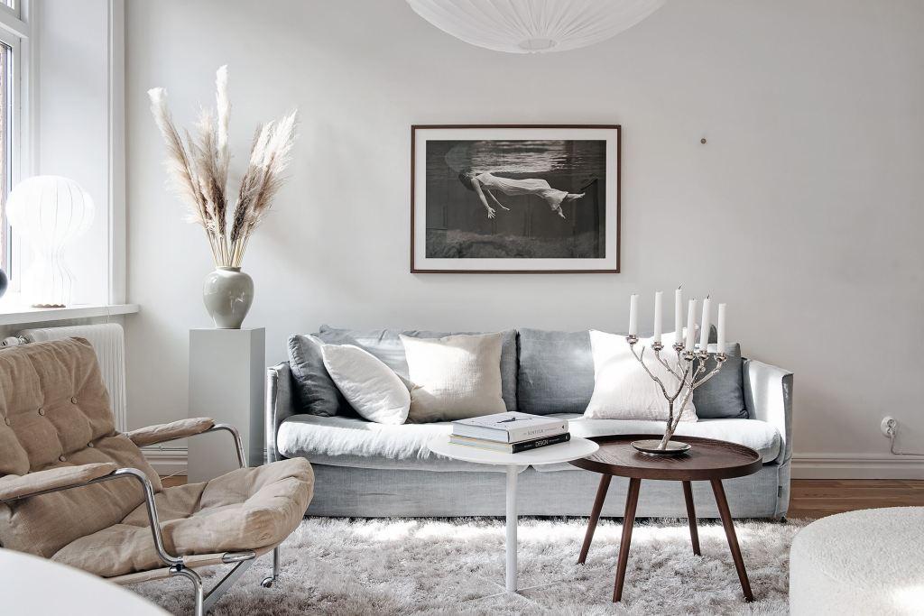Bright white living kitchen