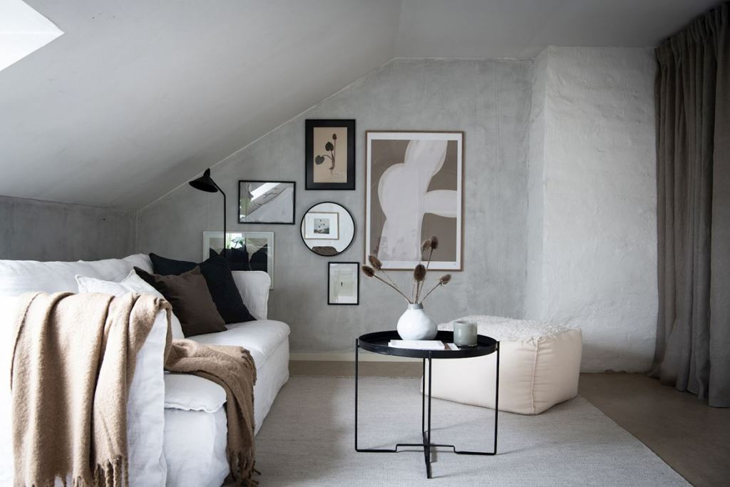 Attic apartment with mineral walls