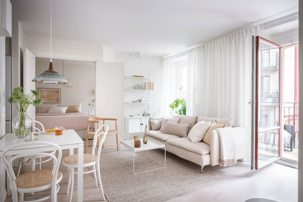 Delicate home with a touch of pink