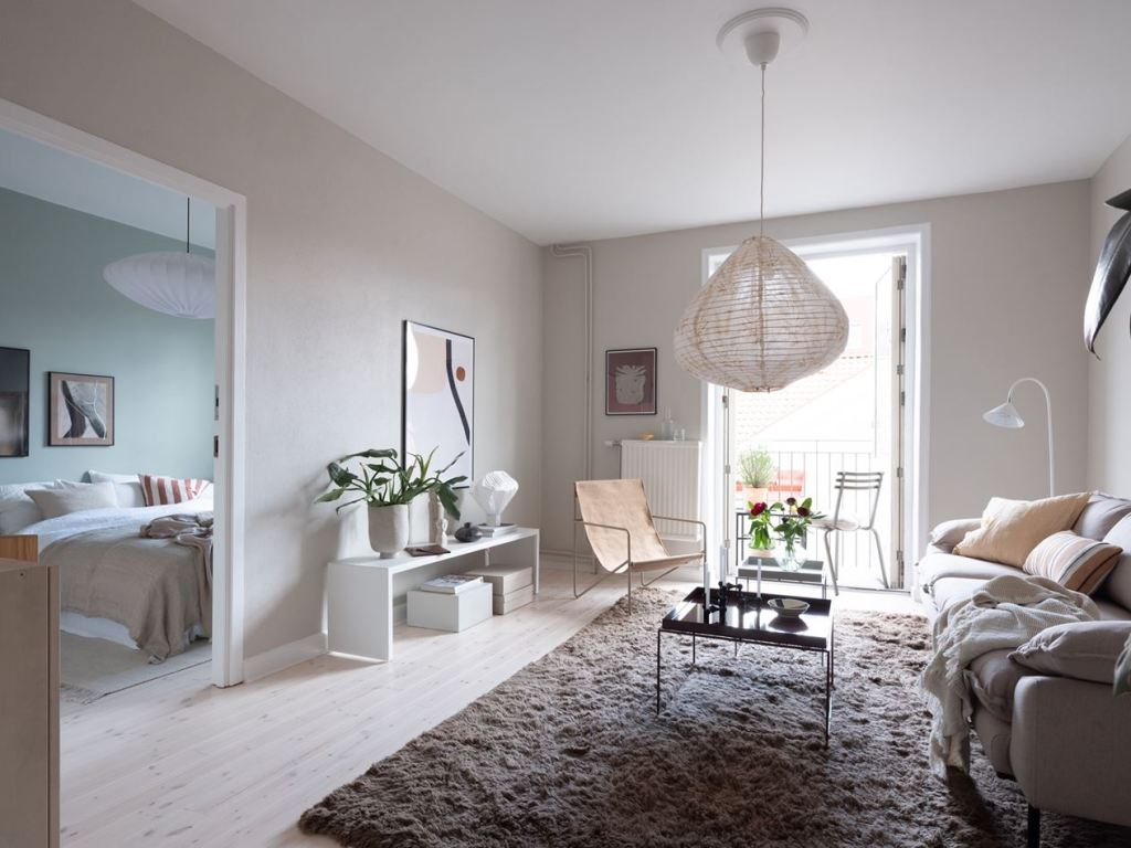 Cozy home in warm and cool tints