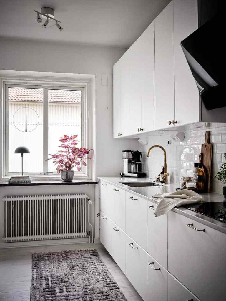 Simple yet stylish white kitchen