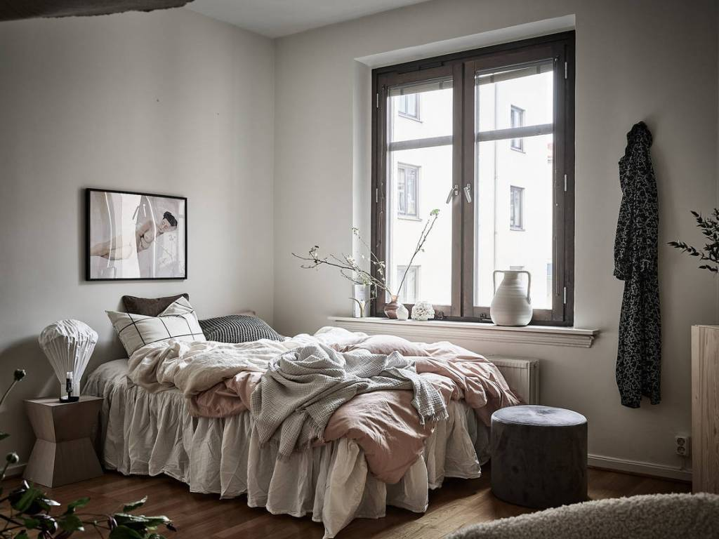 Bedroom with lots of textures