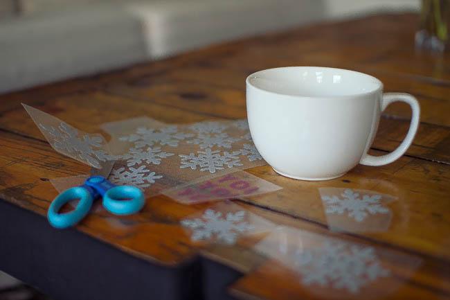 DIY Glitter Holiday Mugs 4