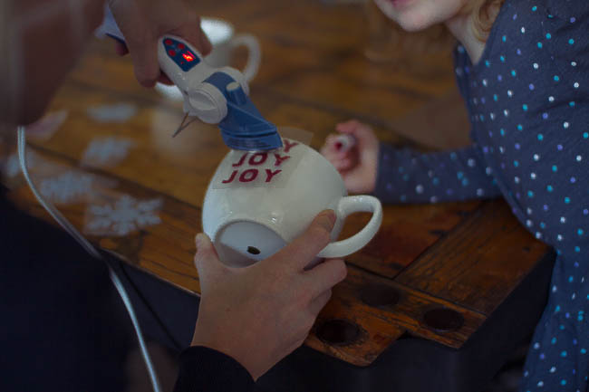 DIY Glitter Holiday Mugs 12