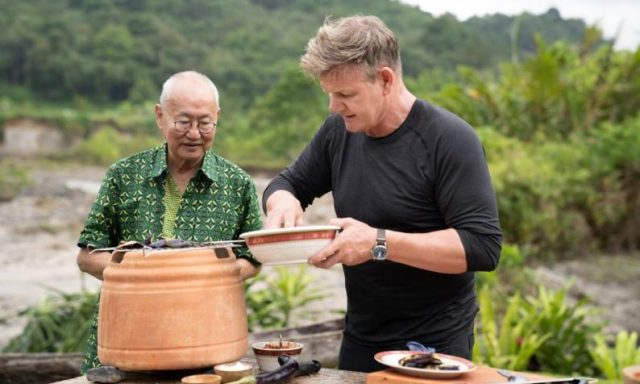 Gordon Ramsay (Right) with William Wongso. Photo: National Geographic