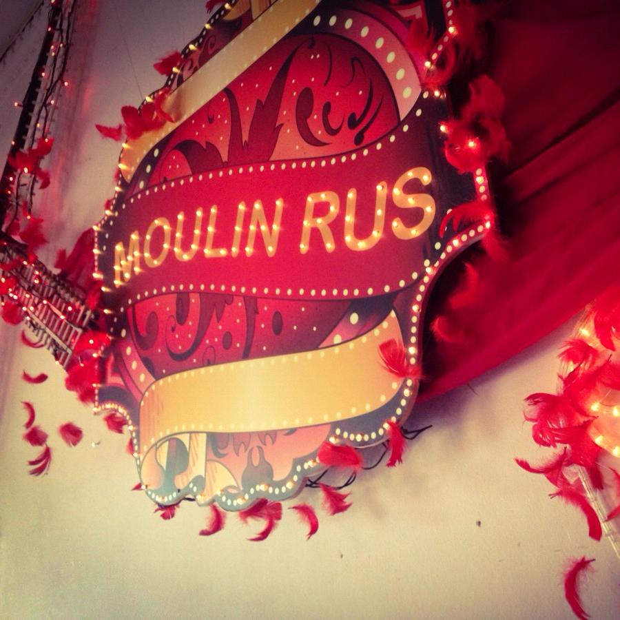 Moulin Rouge decoratie aankleding Friesland Leeuwarden