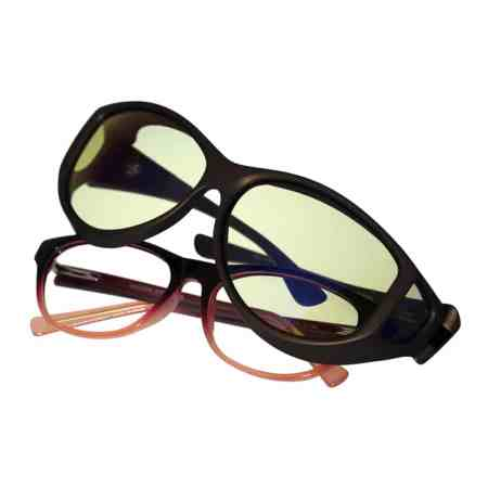 Cocoons Slip Stream fitovers have a large cat-eyel frame shape designed to fit larger, round to teacup eyewear frames and feature an HEV blue light filter system