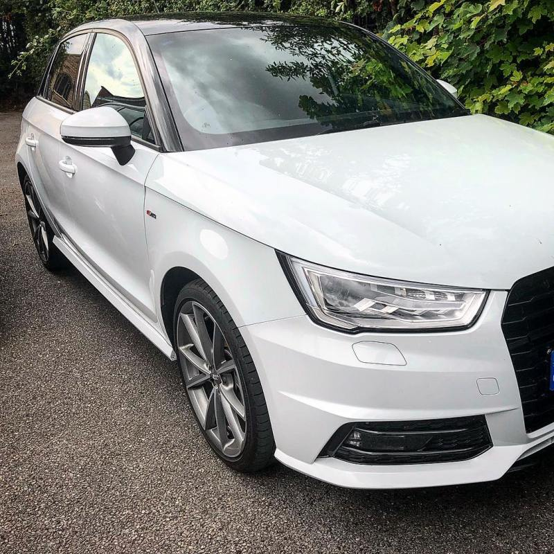 We've got this amazing little Audi A1 ready to go out on a 5 month contract! Call the team on 01332290173 for details!
