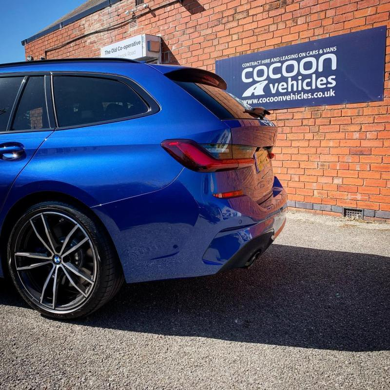 What an amazing colour! This BMW 3 Series Tourer 320i was delivered to a new customer in Derby today. With a socially distanced delivery.  We've got plenty if these tourers in stock and ready to go! And they are on offer! Flexi-tent or fixed contracts available!