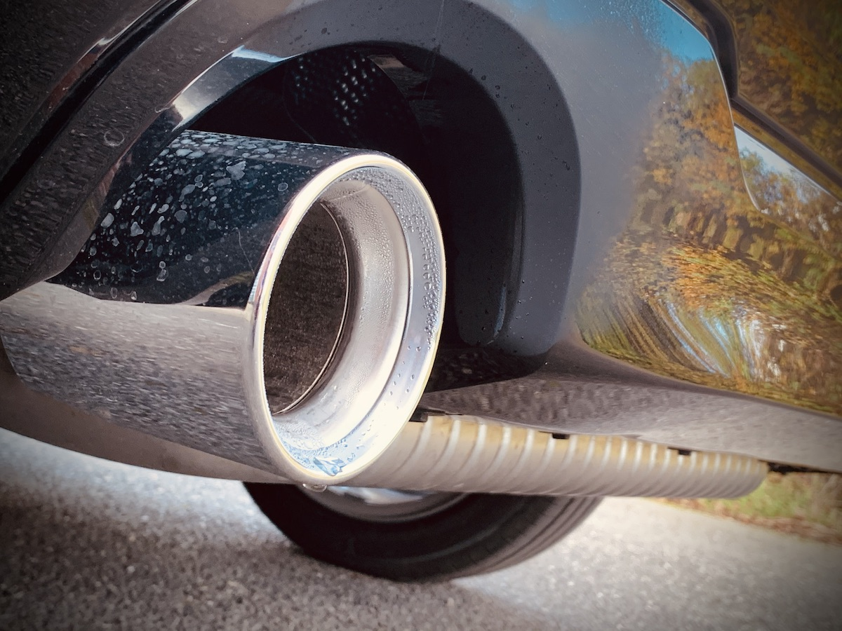 Exhause Pipe on a Black BMW 1 Series
