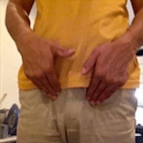 大腿動脈を押す