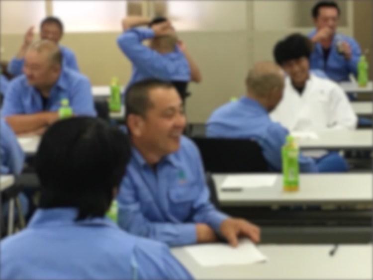 笑顔いっぱいの安全講習会の様子