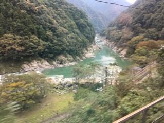 四国の山間部の風景