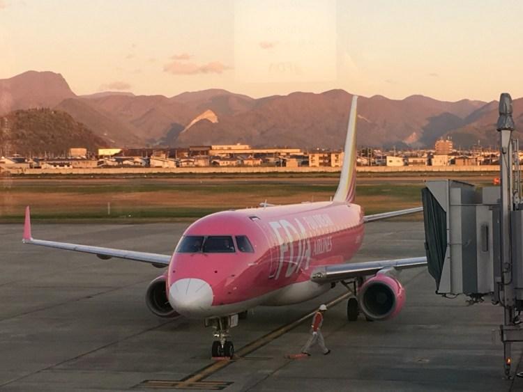 ピンクの機体のFDAの写真