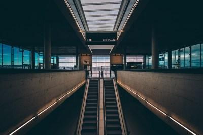 空港、ターミナル