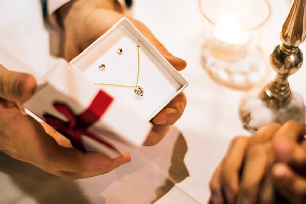 結婚記念日やクリスマス、特別な記念日におすすめのジュエリーブランド