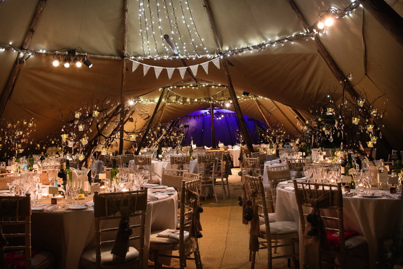 Kira Amp Aj S Winter Tipi Wedding Uk Wedding Venues Directory