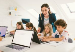 12 Questions To Ask When Choosing an Online Kids Coding Course