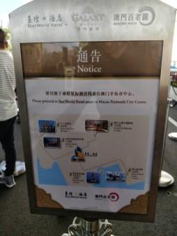 Każdy z hoteli oferuje linie autobusowe między róznymi punktami w Makau
