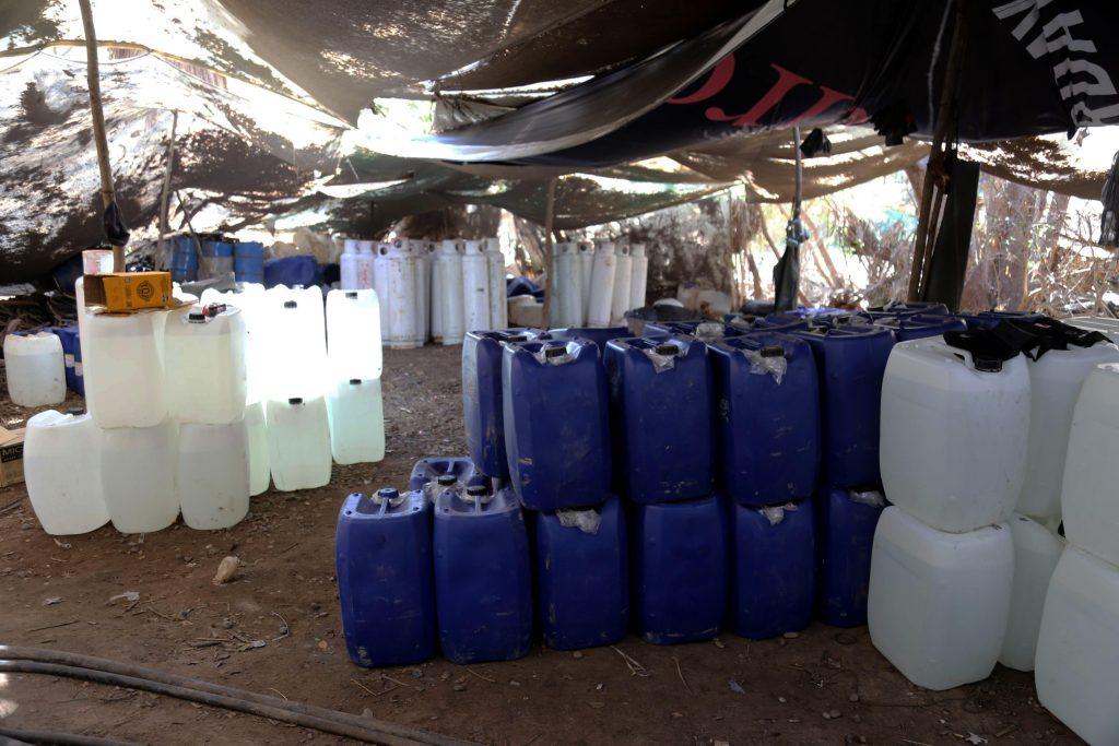 Resultado de imagen para En el corazón de un narcolaboratorio de metanfetaminas en Sinaloa