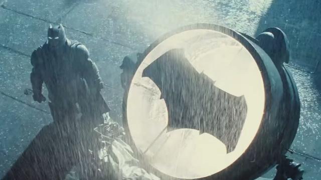 Ahora sí, el nuevo tráiler de Batman v Superman es pura acción - Código Espagueti