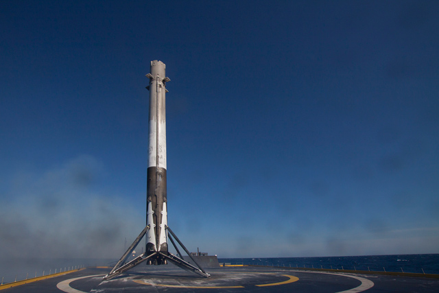 SpaceX-Falcon-9-3