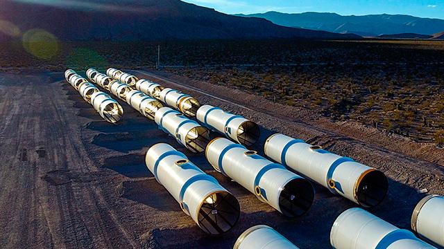 Los tubos que permitirán transportarse al Hyperloop One