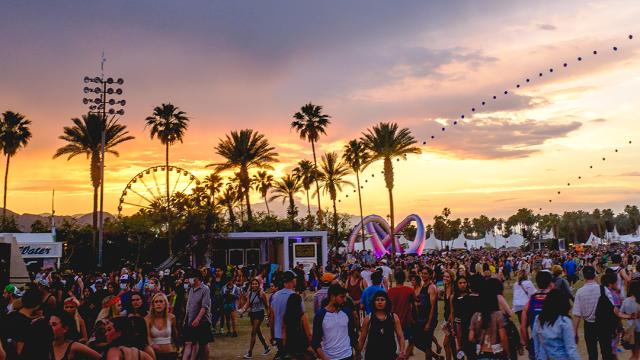 Square quiere que te olvides del efectivo en Coachella 2017 y todo lo pagues con la app