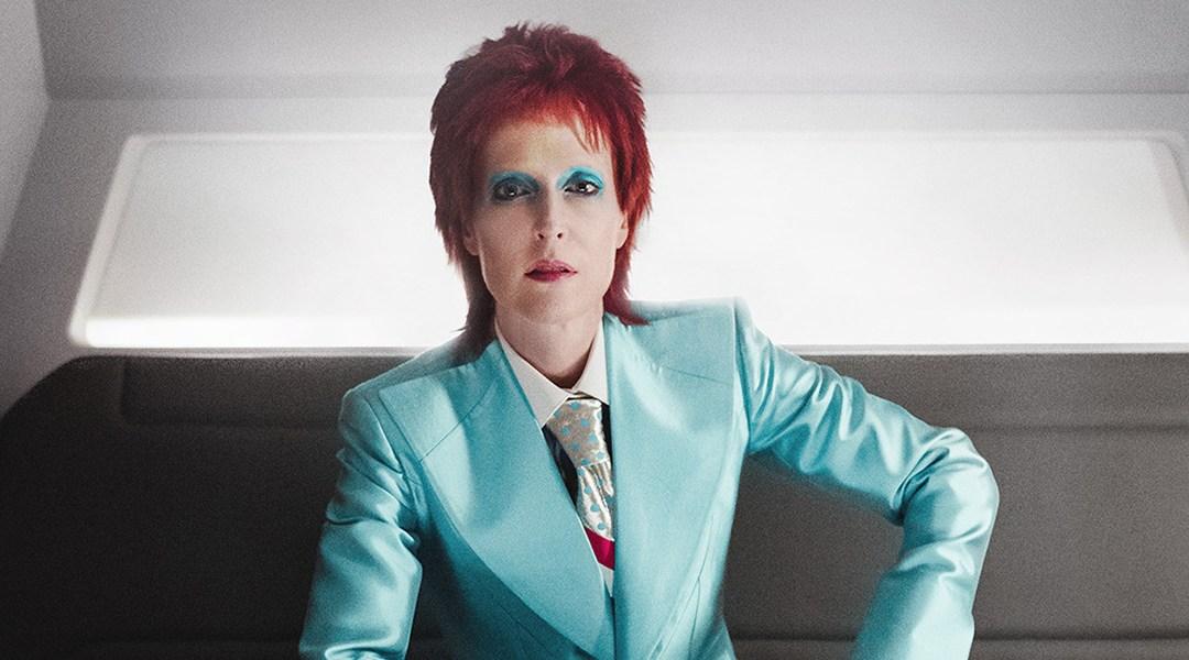 El nuevo teaser de American Gods muestra a Gillian Anderson como David Bowie