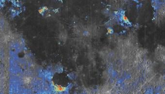 Este mapa muestra dónde están ubicados los depósitos de vidrio volcánico en la superficie de la luna.