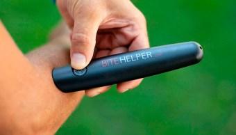 Bite Helper disminuye la sensación de picazón momentos y disminuye la inflamación de las ronchas.