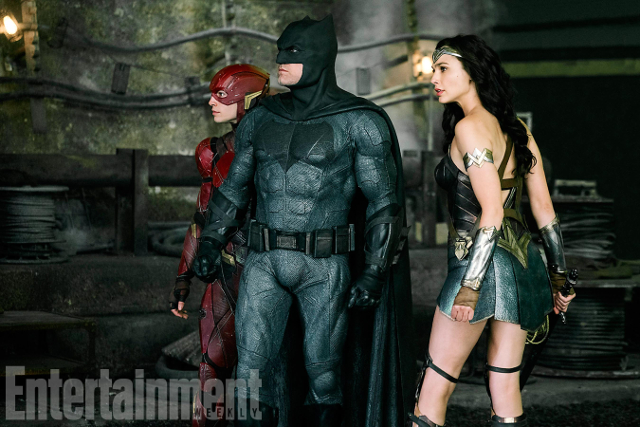 The Flash se una a Batman y Wonder Woman en esta nueva imagen de Justice League.