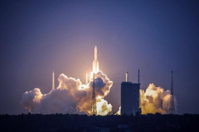 Lanzamiento del cohete chino Long March-5 Y2