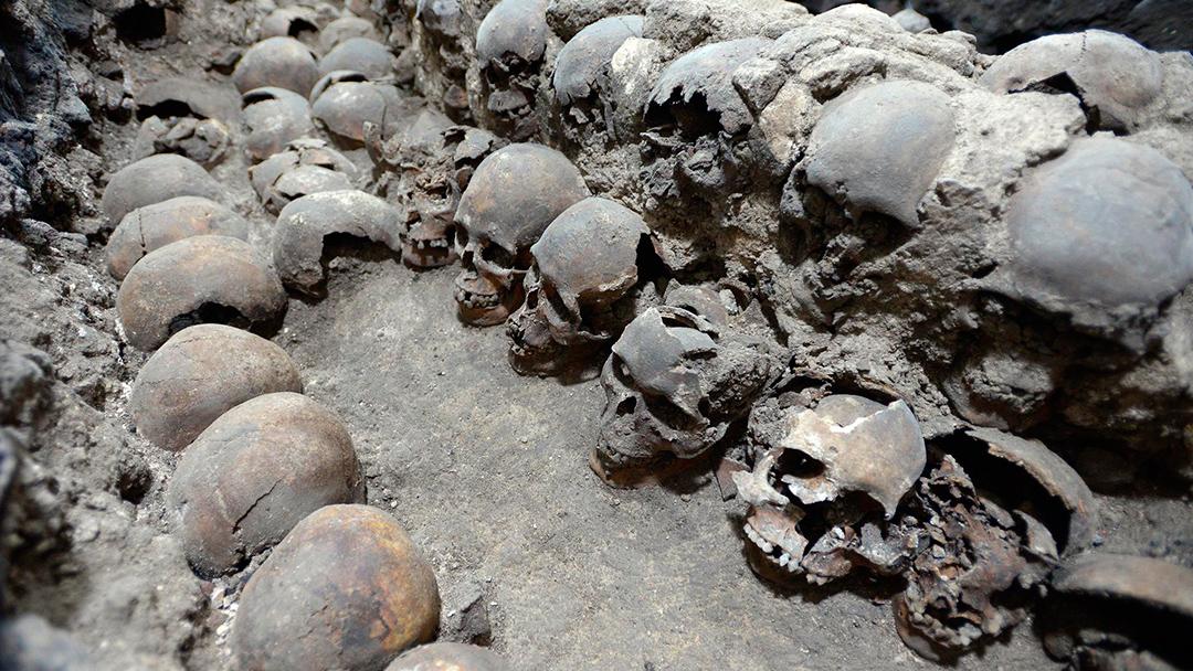 Los arqueólogos han encontrado más de 650 cráneos calcinados