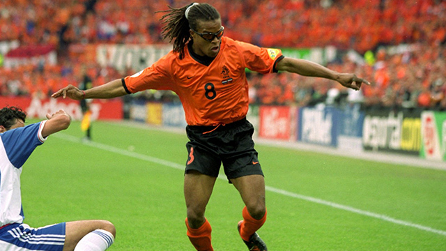 Edgar Davids gana demanda contra League of Legends