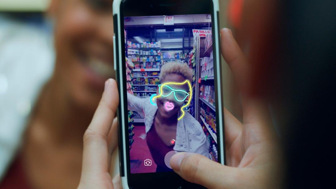 Ya puedes transmitir en vivo y crear GIF's en Facebook Camera