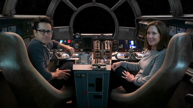 J.J. Abrams al lado de Kathleen Kennedy, presidenta de Lucasfilm.