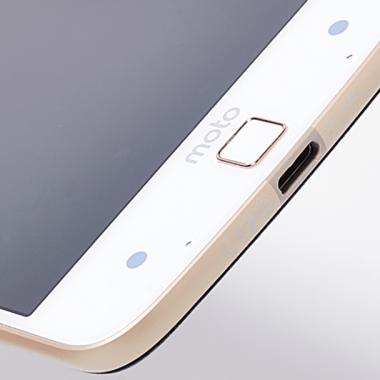 HTC y Motorla asegura no ralentizar sus teléfonos como lo hace Apple