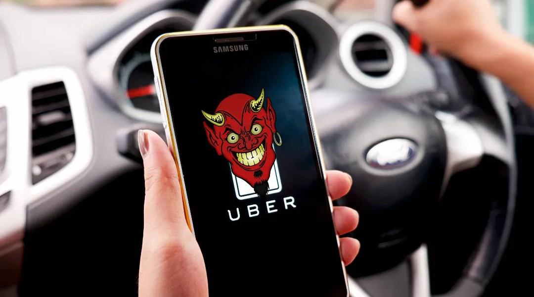 Un Uber malo, con un diablito en la pantalla