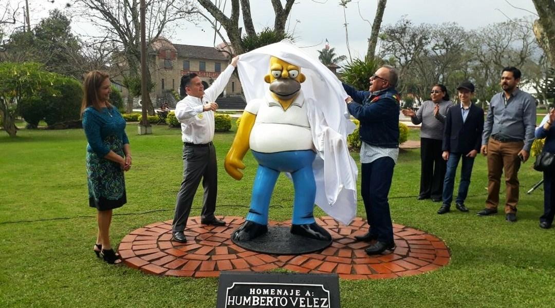 El Gobierno de la Orizaba hizo una estatua de Homero Simpson
