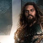 Jason Momoa interpretando a Aquaman, héroe de DC Comics